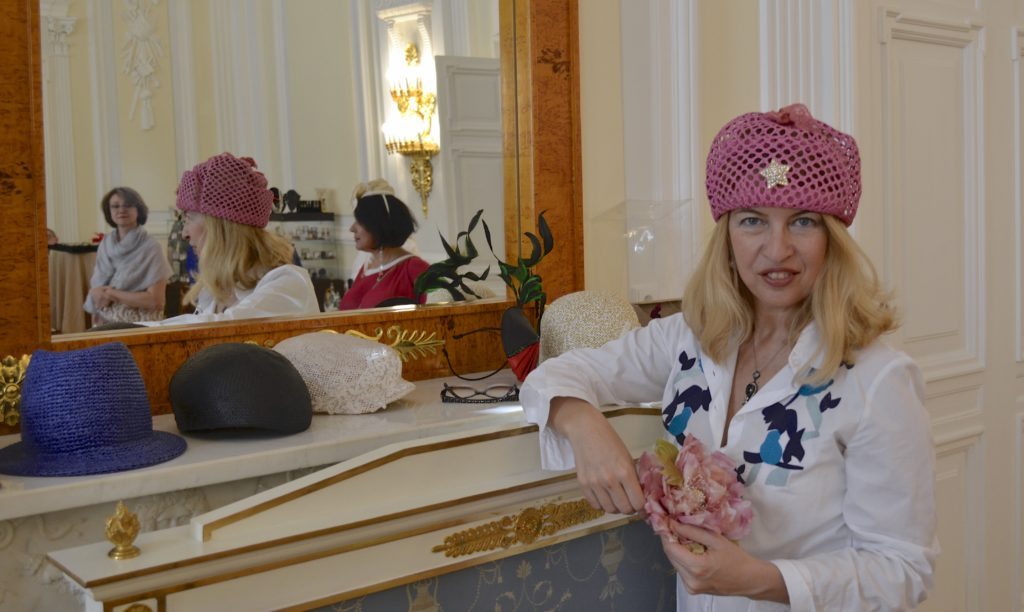 Discover Russia, hats 2