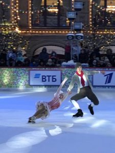 New Year 2019 celebrations in Moscow, GUM skating ring,4